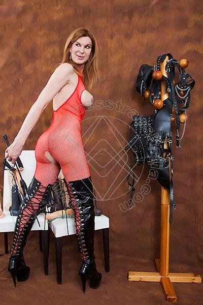 Foto 2 di Mistress Giulia Imperatrice mistress trans Bergamo