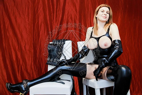 Foto hot 49 di Mistress Giulia Imperatrice mistress trans Bergamo