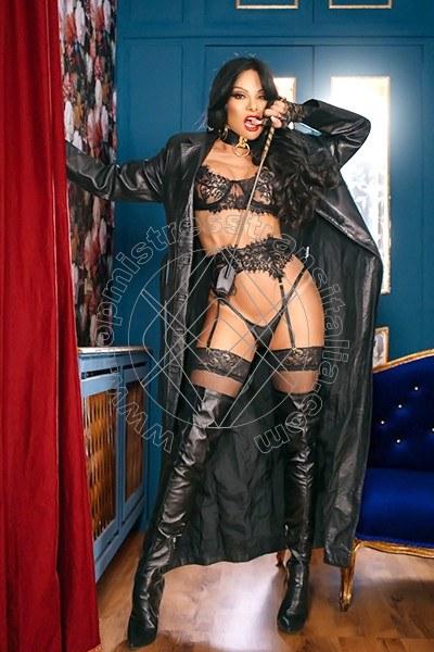 Foto 2 di Padrona Martins mistress trans Udine