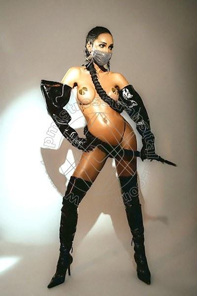 Foto 6 di Padrona Leticia Freitas Pornostar mistress transex Milano