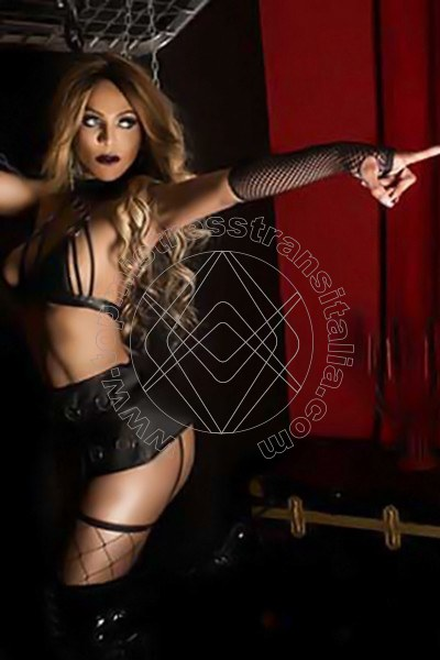 Foto 3 di Padrona Wanessa Armani mistress trans Terni